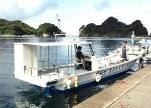 自社ボートで、快適、安全ダイビング